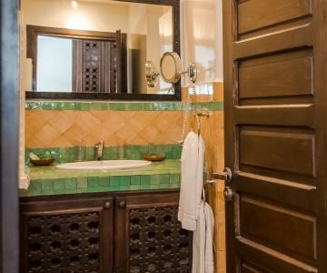 Salle de bains attenante